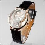 Женские часы с кристаллом