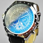 Модель в стиле брендовых часов BREITLING!