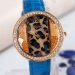Необычные женские наручные часы с камнями